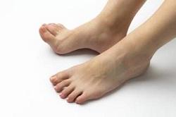 足の指 マッサージ 痛い