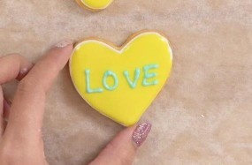 アイシングクッキー 手作り LOVE 文字