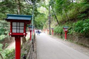 高尾山薬王院境内への道
