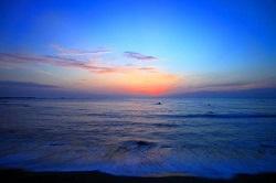 海岸から見る日の出