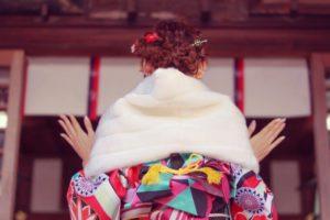 女性 着物 初詣