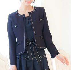 卒業式 母親 スーツ