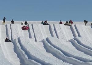 雪の滑り台 さっぽろ雪まつり
