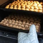 クッキーをオーブンで焼く