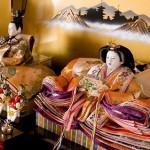 ひな人形を飾る時期や場所の方角は?上手な飾り方や片付け方