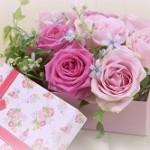 女性の送別会に贈るプレゼント!年代別おすすめと相場について。