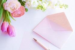 手紙とペン 花