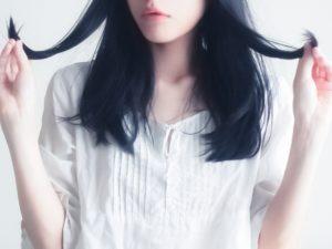 女性 ロング 髪