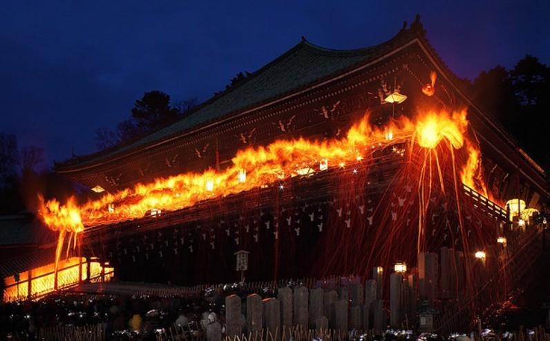 奈良東大寺二月堂お水取り