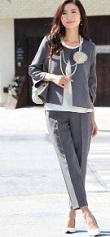 入学式 パンツスーツ 母親