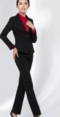 パンツスーツ 黒 入学式 母親
