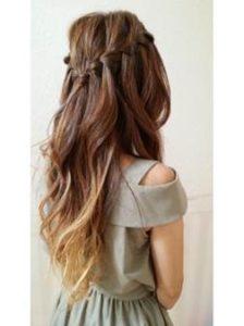 ウェーブヘア 髪型