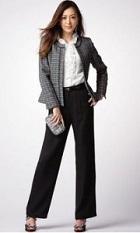 パンツスーツ 高級感 女性