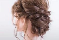 ツイスト アップスタイル ミディアムヘア