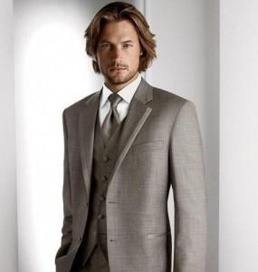 スーツ グレー コーデ