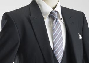 男性 スーツ ストライプネクタイ
