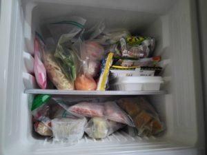 いっぱい入っている冷凍庫