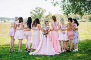 結婚式 女性 友達 ドレス