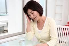 女性 疲労 年配