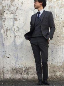 男性 服装 スーツ シンプルコーデ