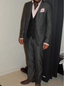 男性 服装 スーツ アスコットタイ ベスト