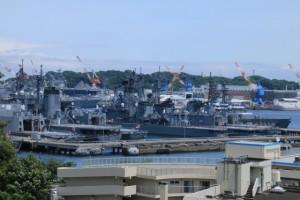 横須賀自衛隊基地