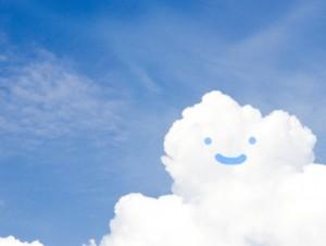 笑顔の入道雲 青空