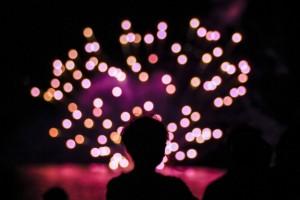 水上花火と観客