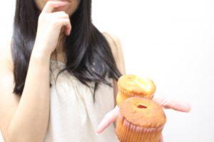 女性 甘い物 誘惑