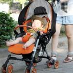 赤ちゃん ベビーカー 散歩
