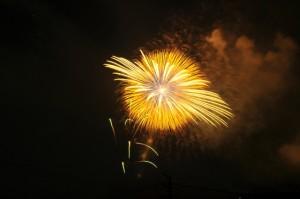 ゴールドの打ち上げ花火