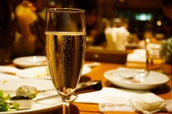 レストラン ディナー シャンパン