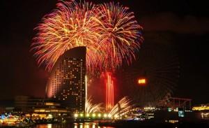 横浜 花火と夜景のコラボ