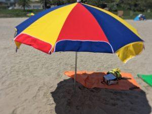砂浜 ビーチパラソル