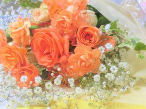 カスミソウ オレンジのバラ