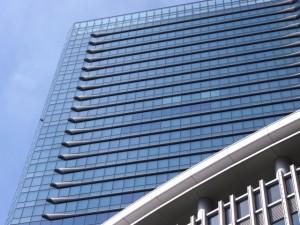 会社 巨大ビル