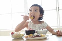 噛む 食べる