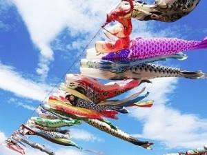 風にたなびく鯉のぼり
