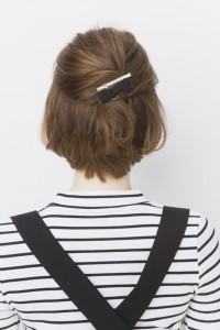 女性 髪型 ショート ヘアアクセ