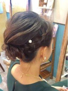 ミディアム 髪型 編み込み アップスタイル