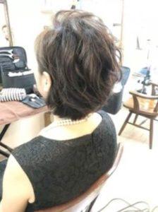 ショート 女性 髪型