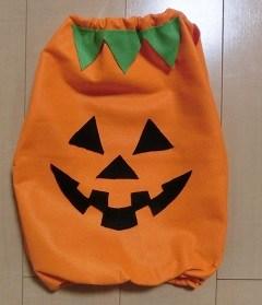 手作りのかぼちゃ衣装