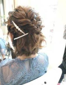 ショート 女性 髪型 ハーフアップ