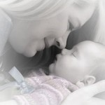 赤ちゃんの向き癖の治し方。タオルで治す方法。頭の形や影響は?