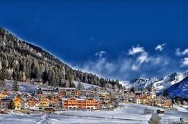山麓の街 雪景色