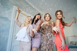 パーティー 女性 外国人