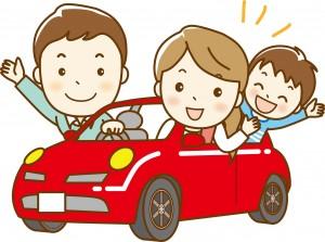 車でお出かけする家族 イラスト