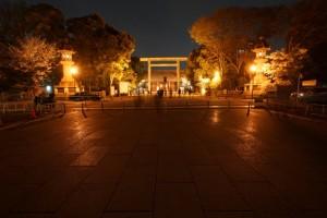 靖国神社 夜間