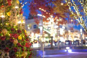 クリスマスツリー イルミネーション 街