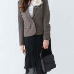 中学校入学式の母親の服装。選び方やマナーについて。